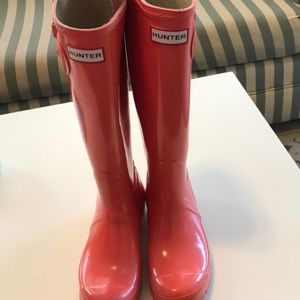 Coral Tall Hunter rain boots size 7F shiny